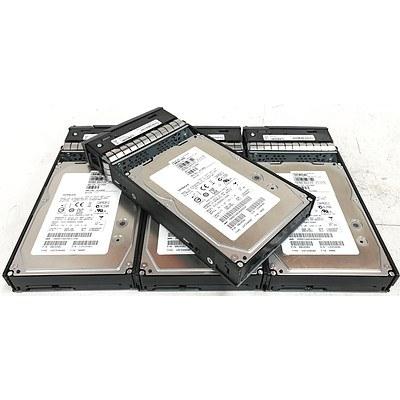 Hitachi HUS156060VLS600 600GB SAS Hard Drives - Lot of 4