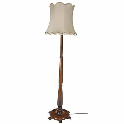 Good Vintage Turned Maple Standard Lamp of Solid Proportions