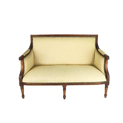 French Louis Style Finely Carved Oak Settee Early 20th Century