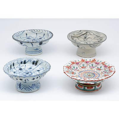 Four Chinese Porcelain Pedestal Cups, 19th Century