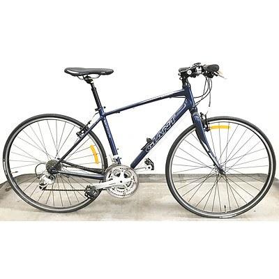 Giant CrossCity 27 Speed Hybrid Bike