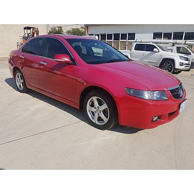 1/2005 Honda Accord EURO  4d Sedan Red 2.4L