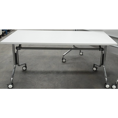 Sigtah Flip Top Table