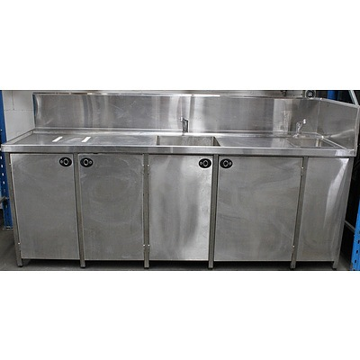 Commercial Stainless Steel Bench With Dual Sinks