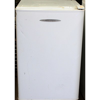 Fisher and Paykel 120 Litre Bar Fridge