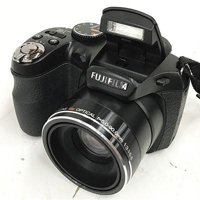 FujiFilm FinePix S1800 12MP Digital Camera