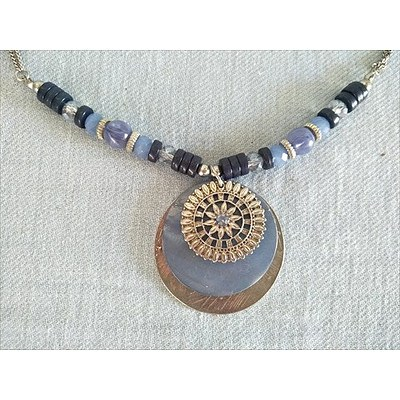 Beaded necklace with 3 disc pendant