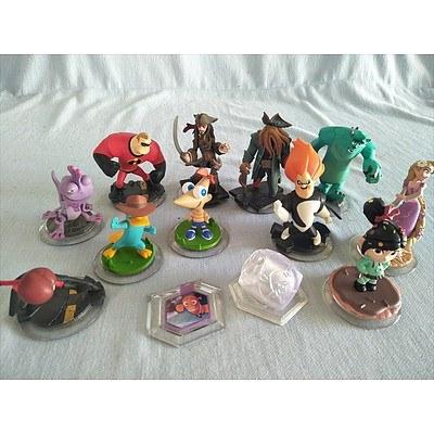 13 Disney Infinity figures & power discs - for Nintendo Wii