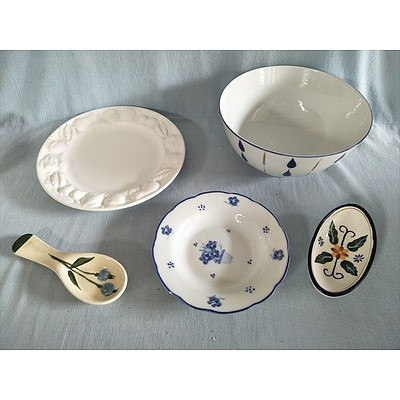 Assorted ceramic kitchenware (plate, bowl, dish, spoon rest and condiment dish)