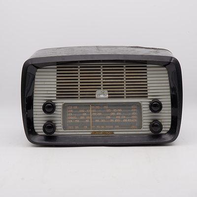 His Master's Voice Little Nipper Model 62-52 Valve Radio