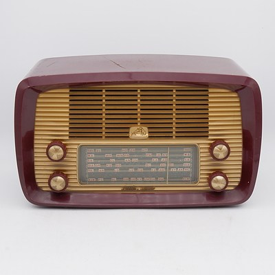 His Master's Voice Little Nipper Model 62-52 Valve Radio