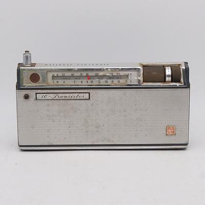 National Panasonic Model R-230J 10-Transistor Portable Radio