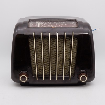 Bakelite Cased Philips Model 122B Valve Radio