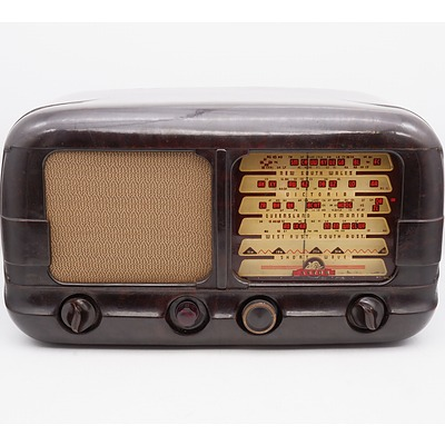 Bakelite Cased Astor Valve Radio