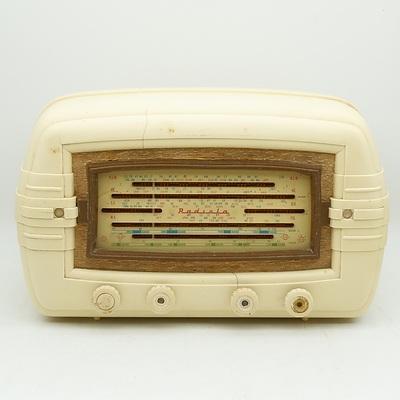 Bakelite Cased AWA Radiola Valve Radio