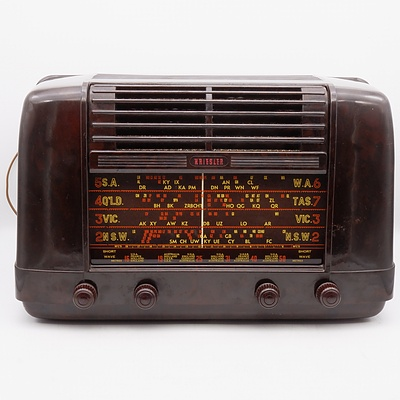 Bakelite Cased Kriesler Model 11-28 Valve Radio