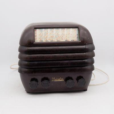 Bakelite Cased Kriesler Valve Radio