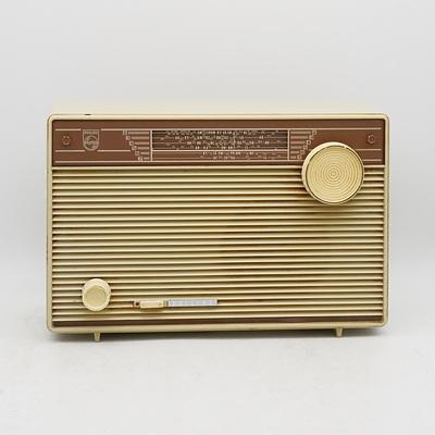 Phillips Portable Valve Radio