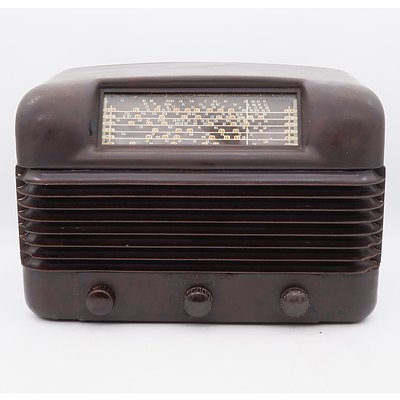 Bakelite Cased His Master's Voice Valve Radio