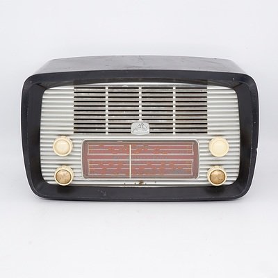 His Master's Voice Model 64-5 Valve Radio