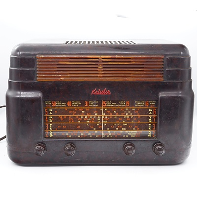 Bakelite Cased Kriesler Model 11-7 Valve Radio