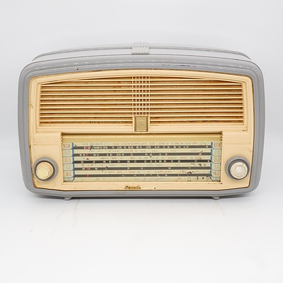 AWA Radiola Valve Radio