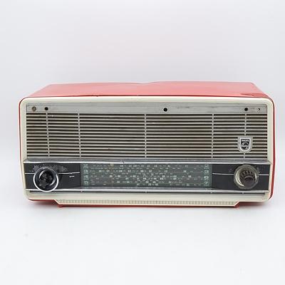 Phillips Model MM1/01 Valve Radio