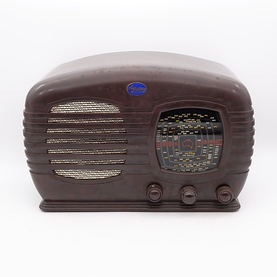 Bakelite Cased Airway Valve Radio