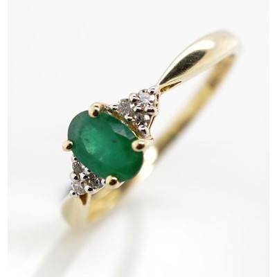 14ct Gold Emerald & Diamond Ring