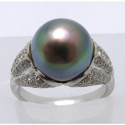 18ct Gold Tahitian Pearl & Diamond Ring