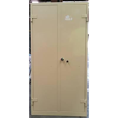 C Class Two Door Metal Cabinet