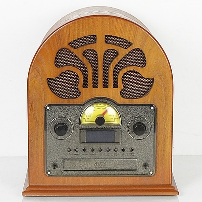 Vintage Style CD and Radio Player With Bluetooth