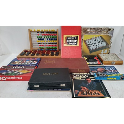 Selection of Board Games and Books - Lot of 14
