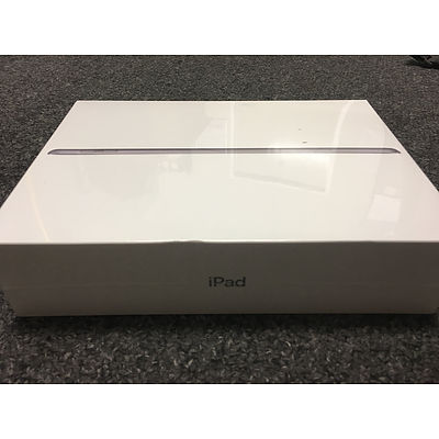 32GB Apple iPad - BRAND NEW