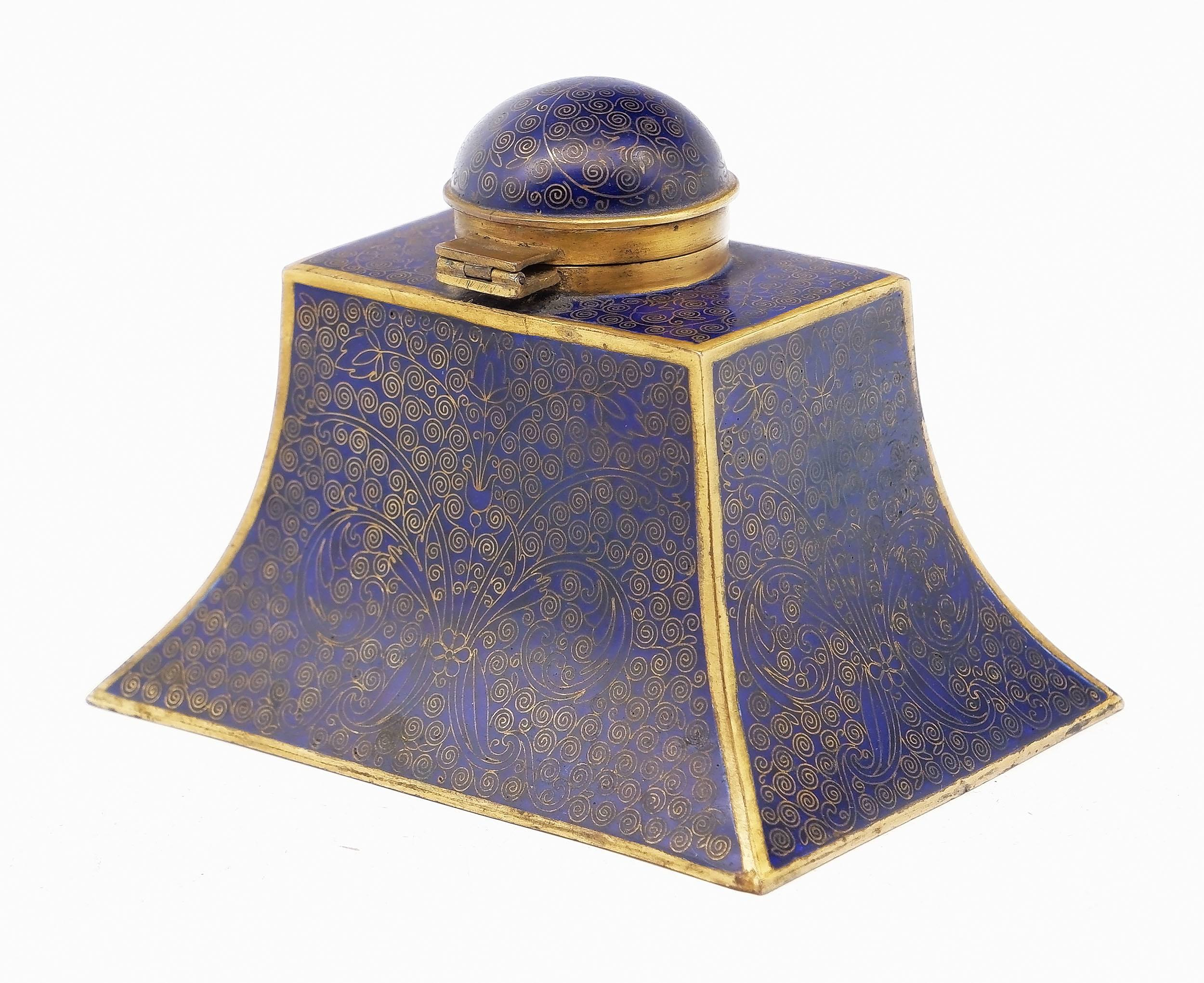 'Good Chinese Cloisonne Enamel Inkwell, Early 20th Century'