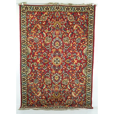 Persian Style Machine Woven Wool Pile Rug