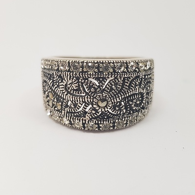 Sterling Silver Marcasite and CZ Ring with Floral Motif