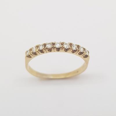 18ct Yellow Gold Claw Set Diamond Row Ring