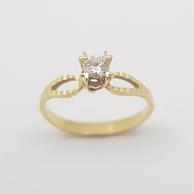 18ct Yellow Gold Diamond Solitaire Diamond Ring