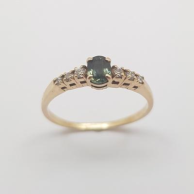 9ct Yellow Gold Sapphire & CZ Ring