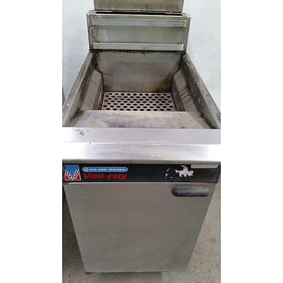 Blue Seal Vee Ray 450mm Stainless Steel Natural Gas Deep Fryer