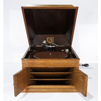 His Master's Voice Oak Cased Gramophone Model 103