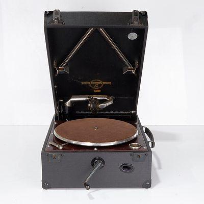 Columbia Grafonola Viva-Tonal No. 112a Portable Gramophone