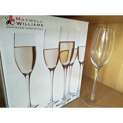 Set of 4 Maxwell Williams 250ml champagne flutes