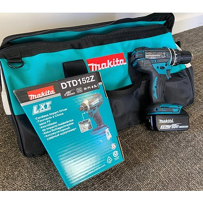 Makita Tool Bag containing Makita Impact Driver and Hammer Driver Drill