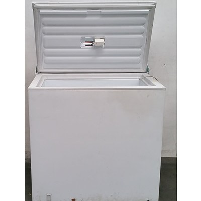 Fisher & Paykel 215 Chest Freezer