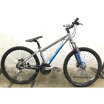 Giant Rincon 24 Speed Mountain Bike