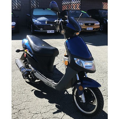 SCP Runna 50cc Scooter
