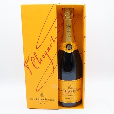 Veuve Clicquot Ponsardin Brut Champagne 750mL
