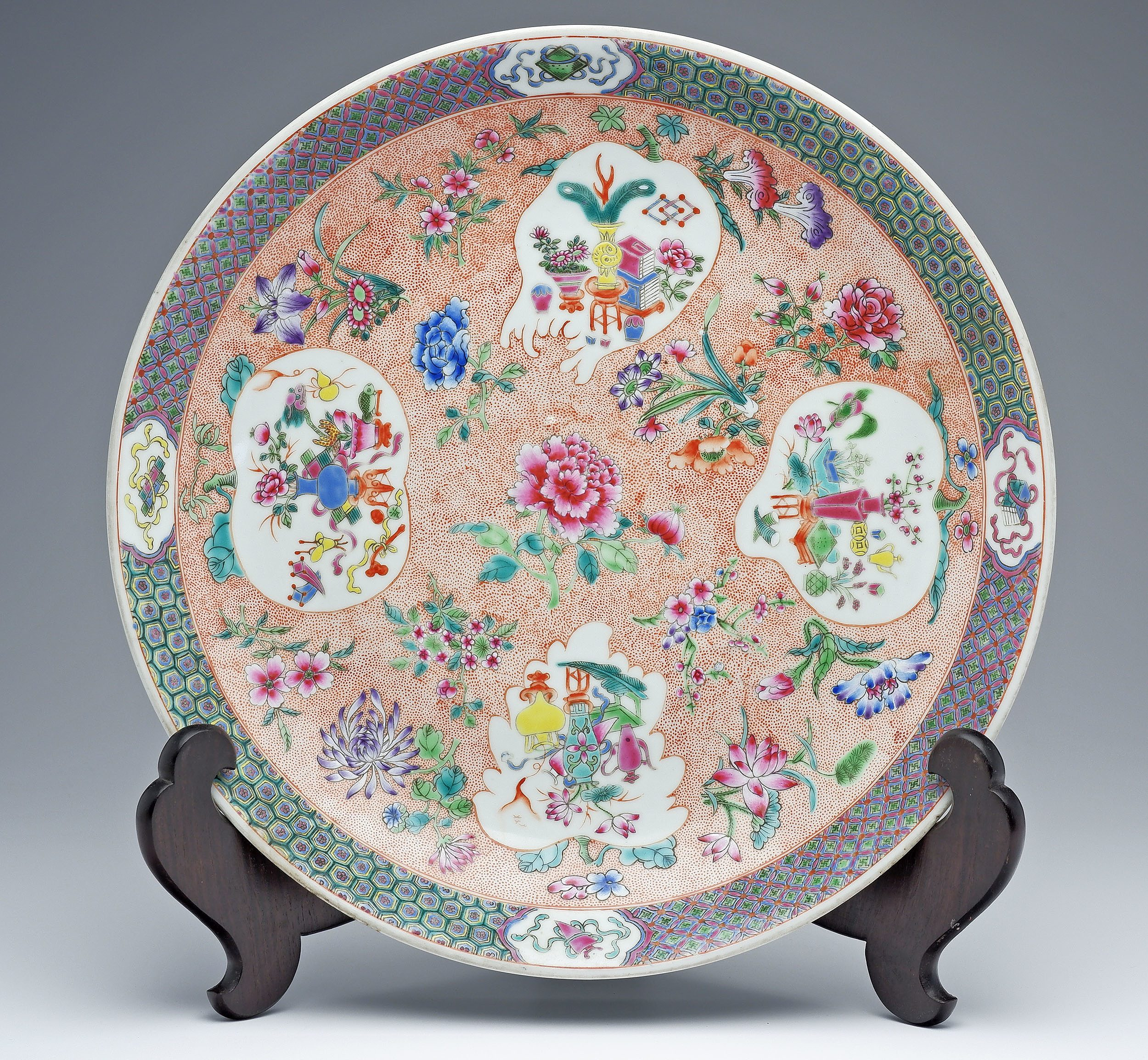 'Large Chinese Famille Rose Dish, Apocryphal Qianlong Mark, Late Qing or Republic Period'